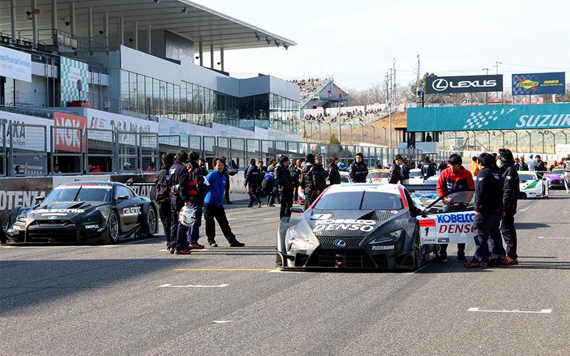 新型GT500マシン3台も走行!鈴鹿ファン感謝デーが開幕。SUPER GTイベントも多数実施!!の画像