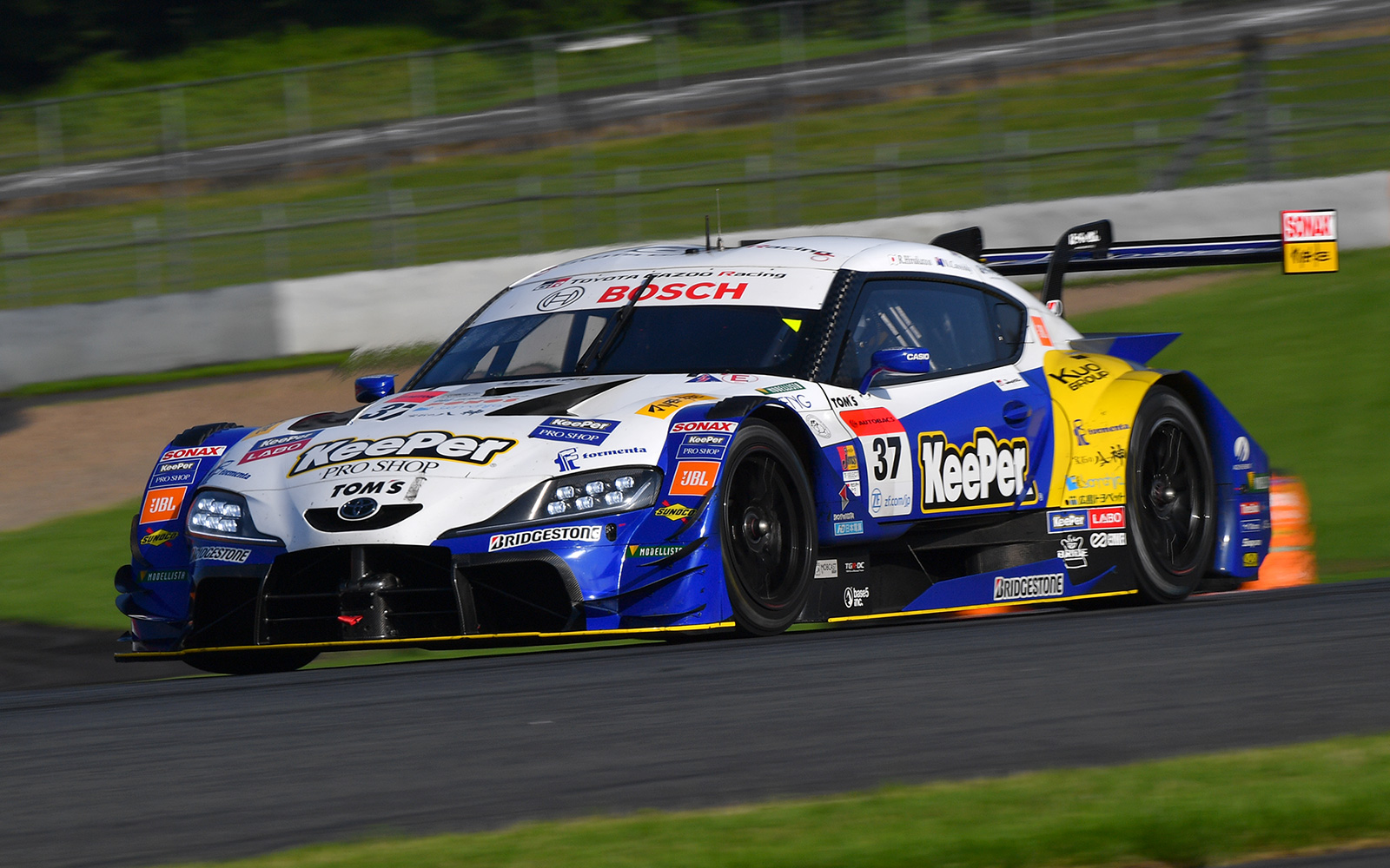Rd.1 決勝GT500:KeePer TOM'S GR Supraがポール・トゥ・ウイン!デビュー戦のGR Supra GT500がトップ5を独占の画像
