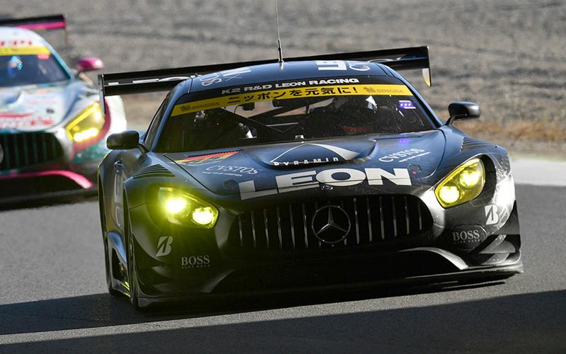 Rd.8 決勝GT300:LEON CVSTOS AMGが今季2勝目!チャンピオンはグッドスマイル初音ミクAMGの手にの画像