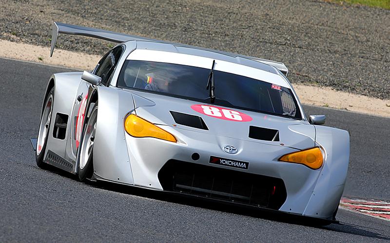 岡山でGT300用マザーシャシーの1号車がシェイクダウンの画像