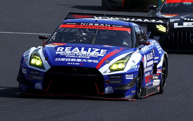 Rd.1 決勝GT300:昨年タイトルを争った4台が熾烈なトップ争い!逃げ切ったリアライズ 日産自動車大学校 GT-Rが優勝の画像